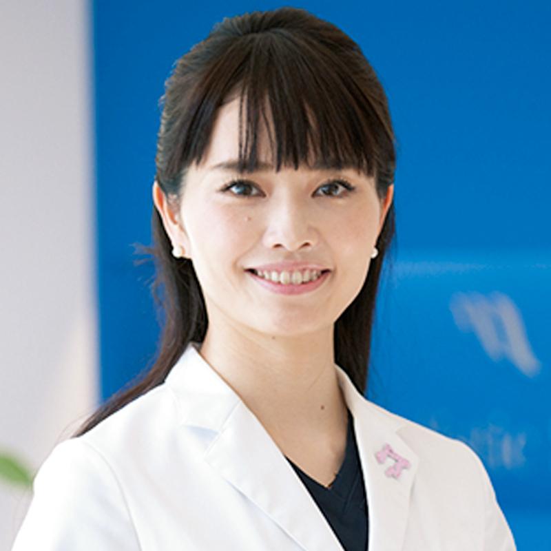 山崎まいこ医師の顔写真