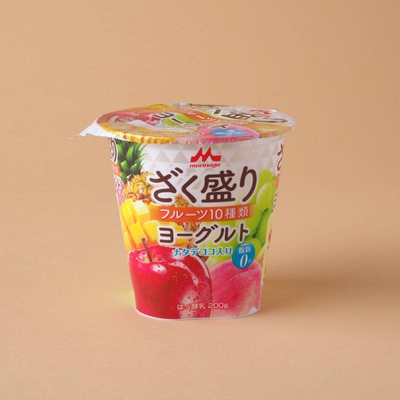 森永乳業のざく盛り フルーツ10種類ヨーグルト
