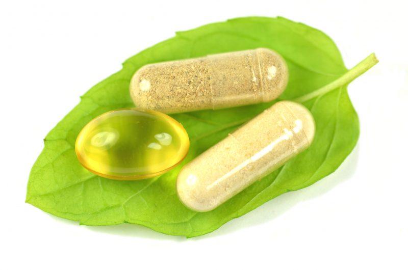 3種類のサプリメントの錠剤