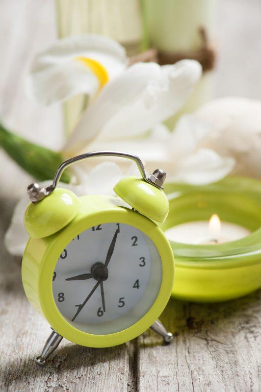 バスルームに置かれた時計