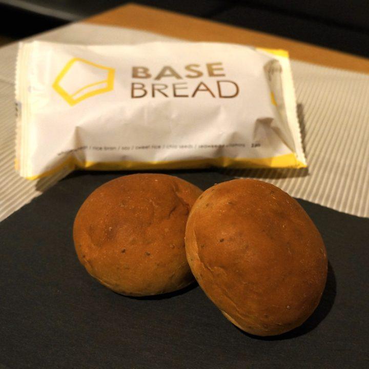 BASE BREADのパッケージと中身