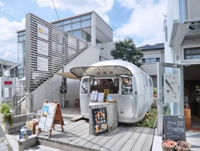 「表参道 the AIRSTREAM GARDEN」