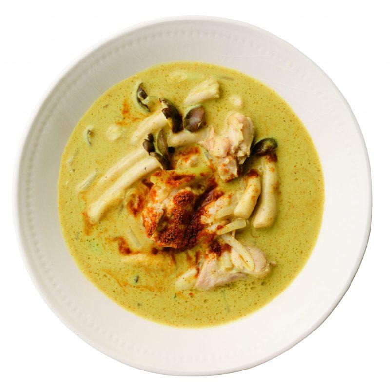 チキンココナッツカレースープ