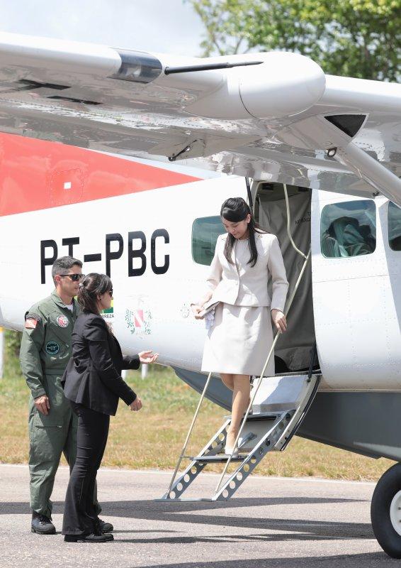トメアスヘリポートへ到着された眞子さま