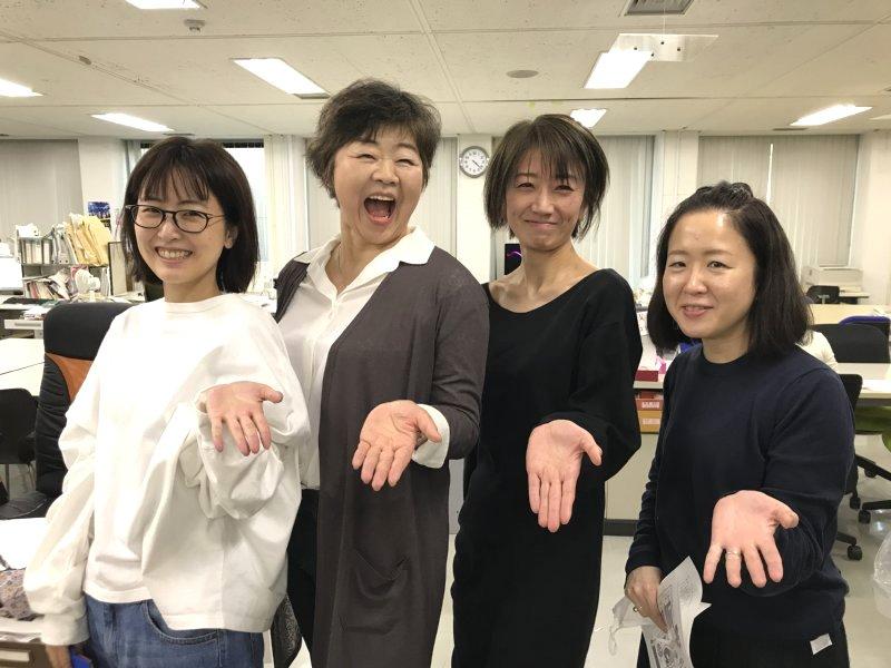 オバ記者と文藝春秋社の女性スタッフ4人