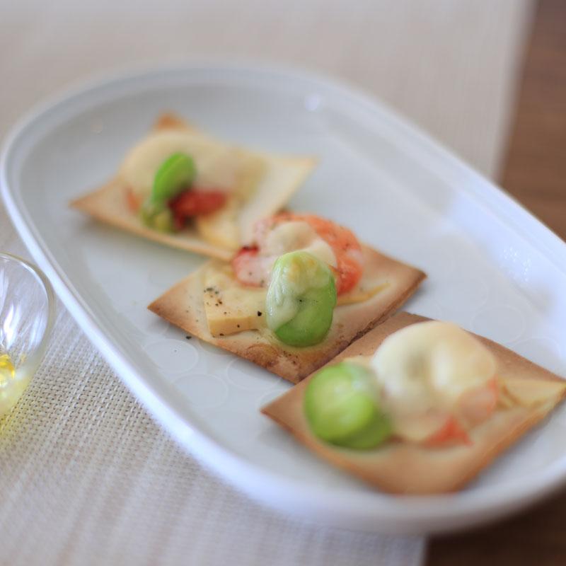 デトックス野菜&春巻きの皮で作る「パリパリピザ」