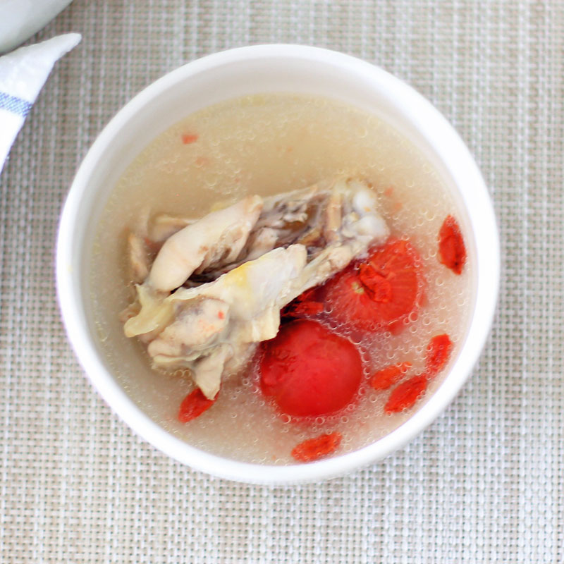 お皿に盛り付けた「tomatoサムゲタン」