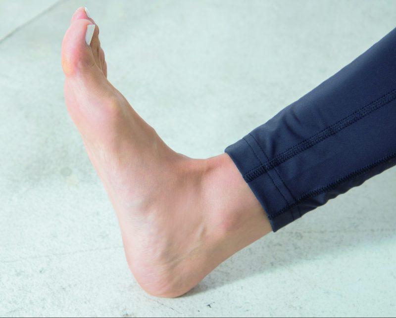 高橋メアリージュンの足