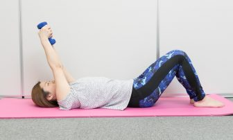 筋トレで5か月-10kgの著者が教える二の腕やせ筋トレ|上腕三頭筋を鍛えて振袖肉を撃退
