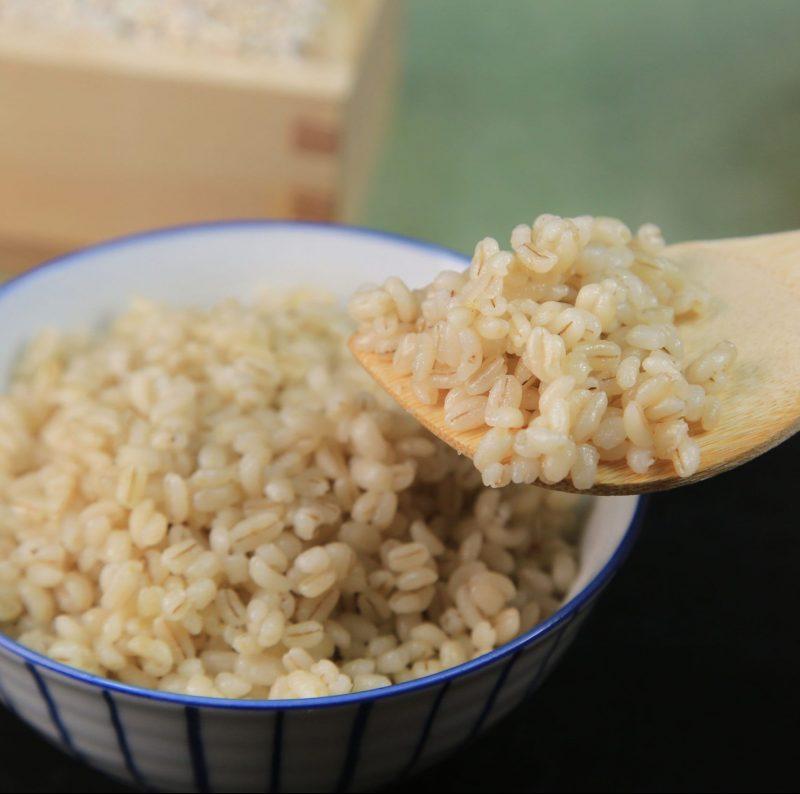 大麦で炊いたご飯