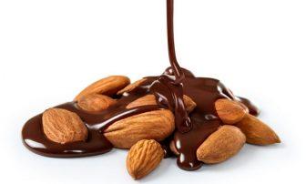 """アーモンドチョコでダイエット&便秘解消!その効果と""""カカオ70""""がおすすめの理由"""