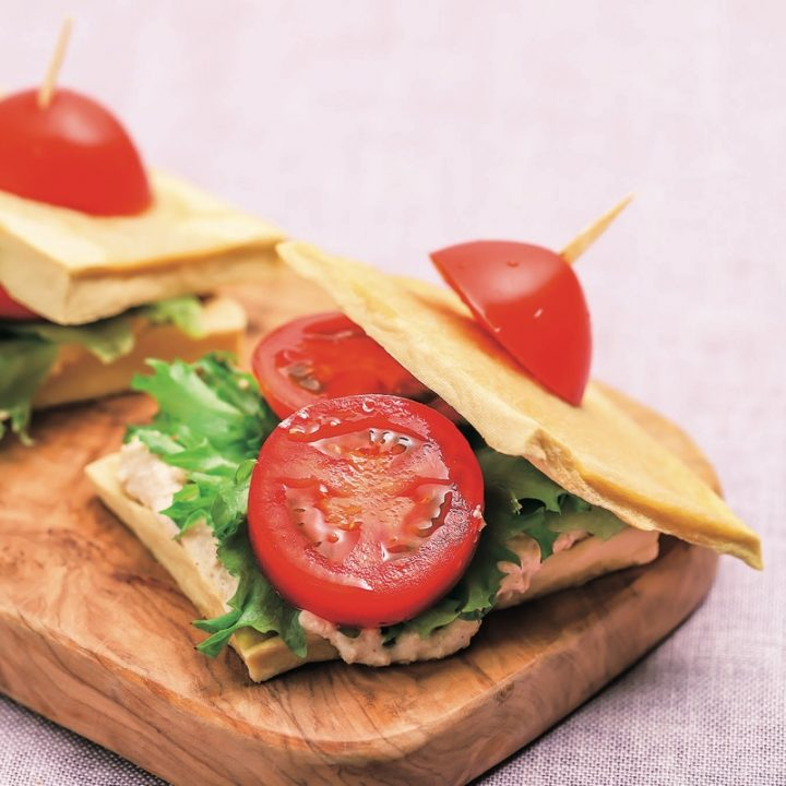 高野豆腐パンのサンドイッチ