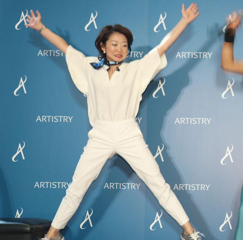 「アーティストリー」ブランドの部長を務める杉本千恵さん