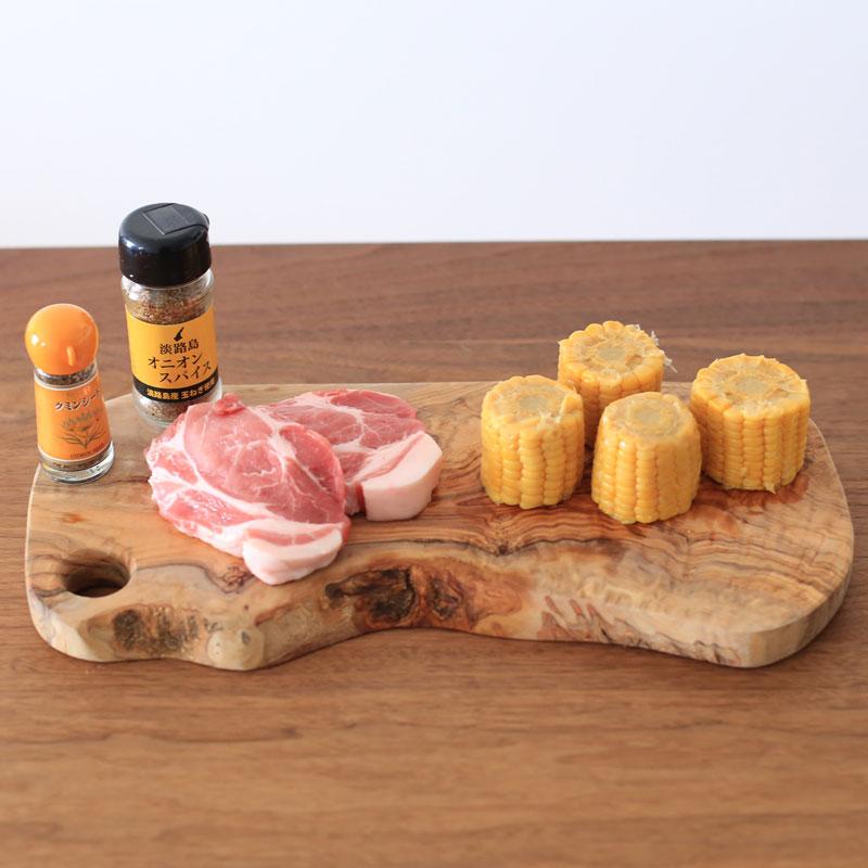 とうもろこしと豚肉のクミン炒めの材料