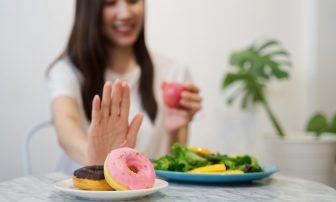 糖質制限ダイエット中の簡単レシピ5選|豚肉活用、スイーツなど人気料理まとめ
