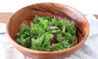 葉野菜の女王&ミラクルフードで夏バテ・紫外線対策「ケールとキヌアのサラダ」【市橋有里の美レ…