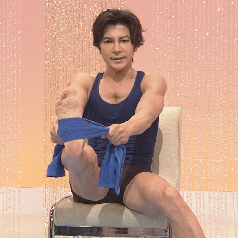 『筋肉体操』に出演する武田真治