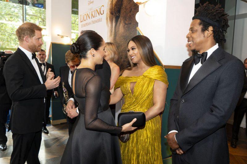 ビヨンセとジェイ・Zがヘンリー王子とメーガン妃を笑顔で迎えている