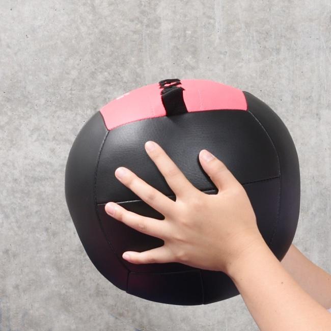 AYAメソッドトレーニングキットのメッドボール