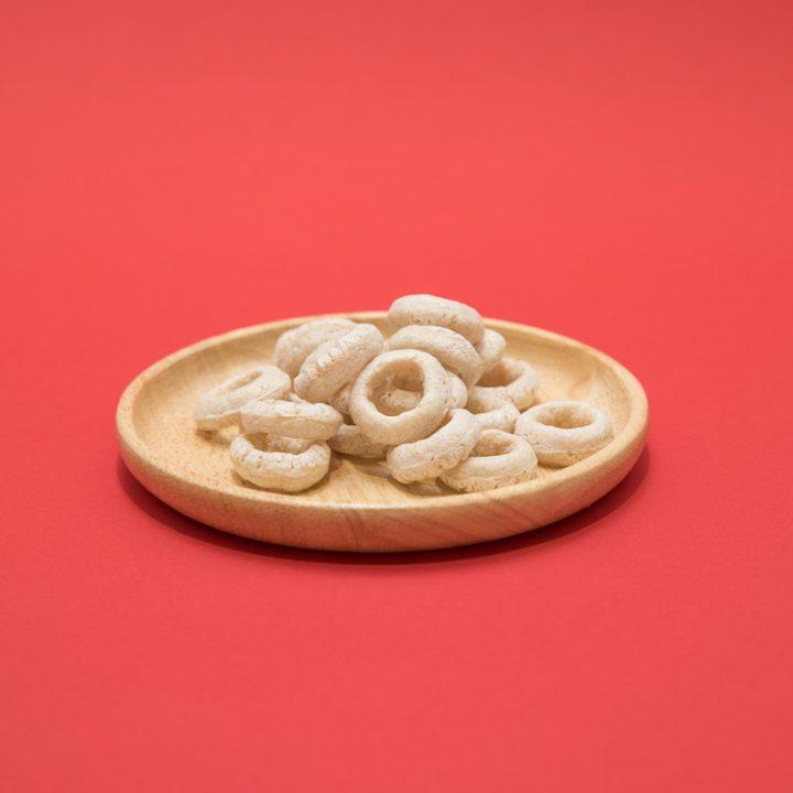 『スーパーコオロギ玄米スナック <ナチュラルソルト>』の中身