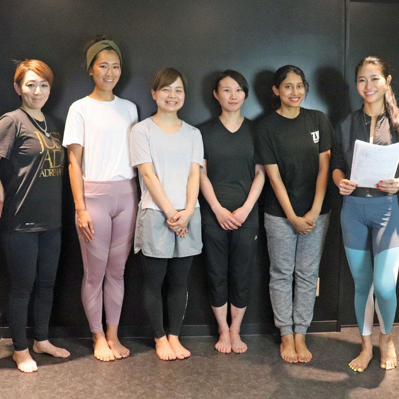 「美コア」の考案者である山口絵里加さんが監修し、約1か月半で「5人で体脂肪率-15%」を目標に掲げた 「心と身体を変える美コアダイエットプロジェクト」に挑む5人の女性