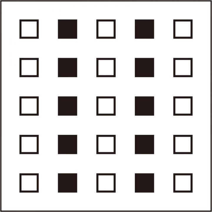 タテに5つ白い正方形、その横に黒い正方形が5つ、それが交互に並んでいる