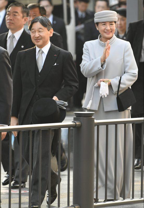 11月27日京都駅に到着された天皇両陛下