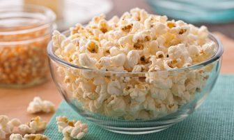 ポップコーンは食物繊維が豊富!便秘にも役立つその理由と活用レシピ