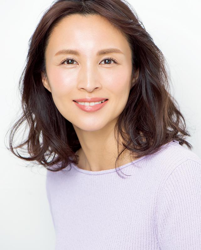 石田ゆり子眉メイクをした女性