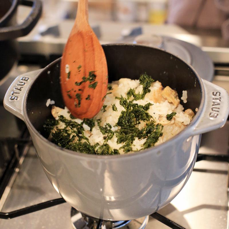 市橋有里がレシピ考案した「あさりとあおさ海苔の炊き込みご飯」