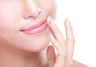 唇の乾燥を撃退!荒れ具合によって選ぶべきリップクリームを解説