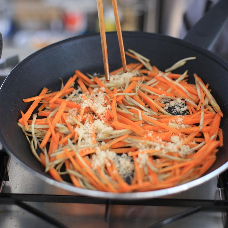市橋有里が考案した、キレイになる常備菜を使ったデトックス&美肌に効く「きんぴらナッツ」
