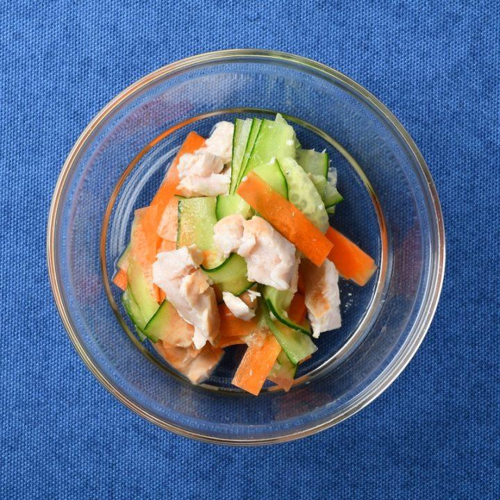 きゅうりとにんじんのサラダ