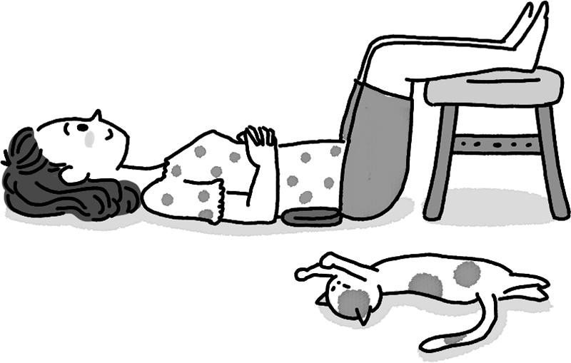 仰向けに寝て膝下をイスに乗せた女性のイラスト