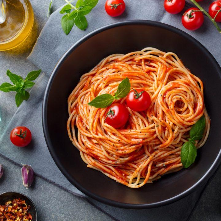 トマトソースのパスタ