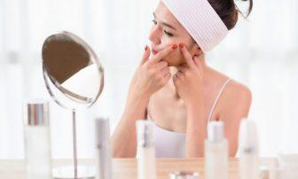 化粧品、いつまで使える?化粧水や香水などの消費期限を知り肌トラブルを防ぐ!