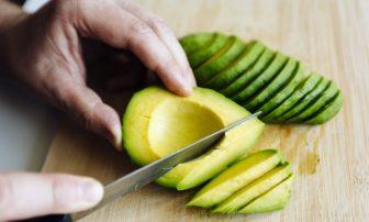 簡単!アボカドの人気レシピ12選|良質な油で痩せる!サラダなど絶品勢ぞろい