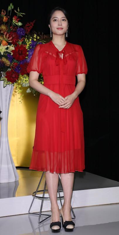 赤いシースルーワンピの広瀬アリス