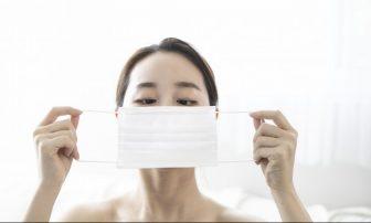 マスクつけても化粧が落ちない方法|ヘアメイクが伝授する意外テクとは?