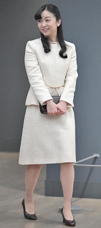 2020年2月「日本・ハンガリー外交関係開設150周年記念」に白いスーツ姿で訪れた佳子さま