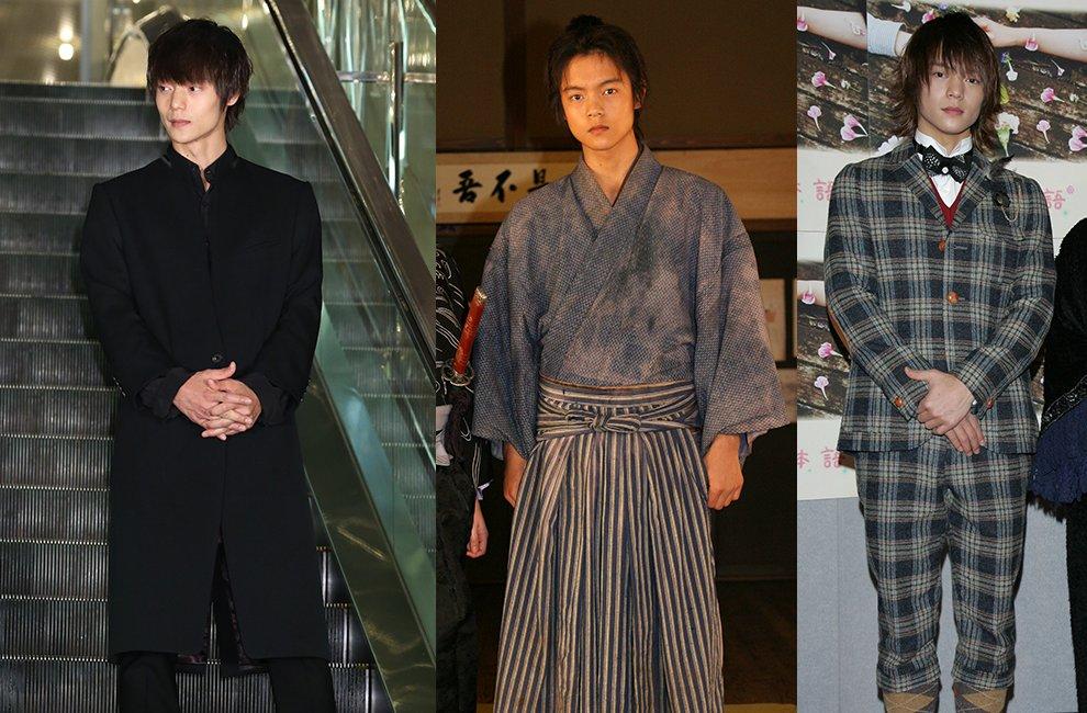 全身黒でクールに決めた2017年の窪田正孝と2009年の時代劇衣装のキリットした姿、2011年のチェックのスーツに蝶ネクタイ姿。