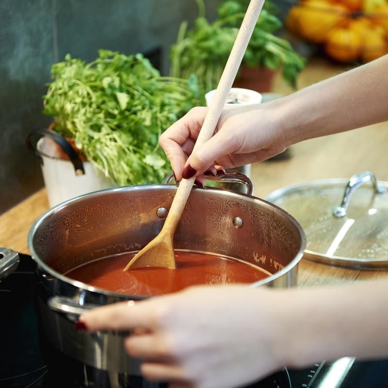 スープを作っている様子