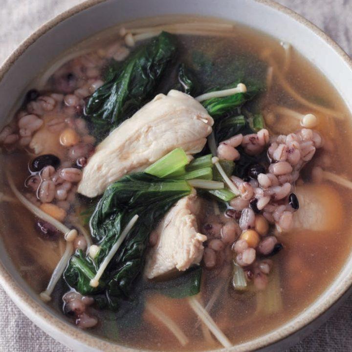 「鶏肉と小松菜の雑穀スープ」