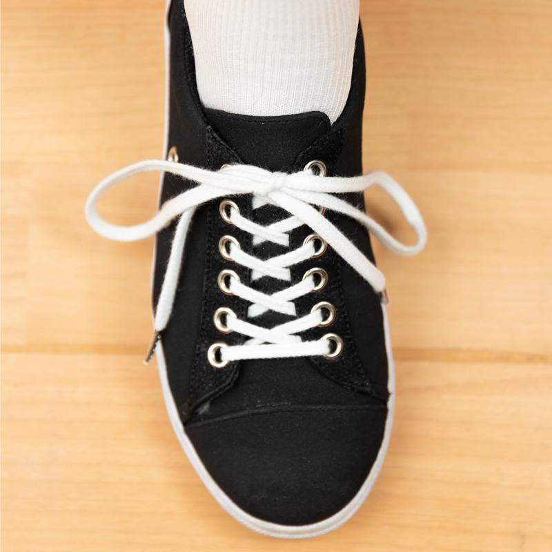 靴ひもをきっちり結んで足をしっかりホールド