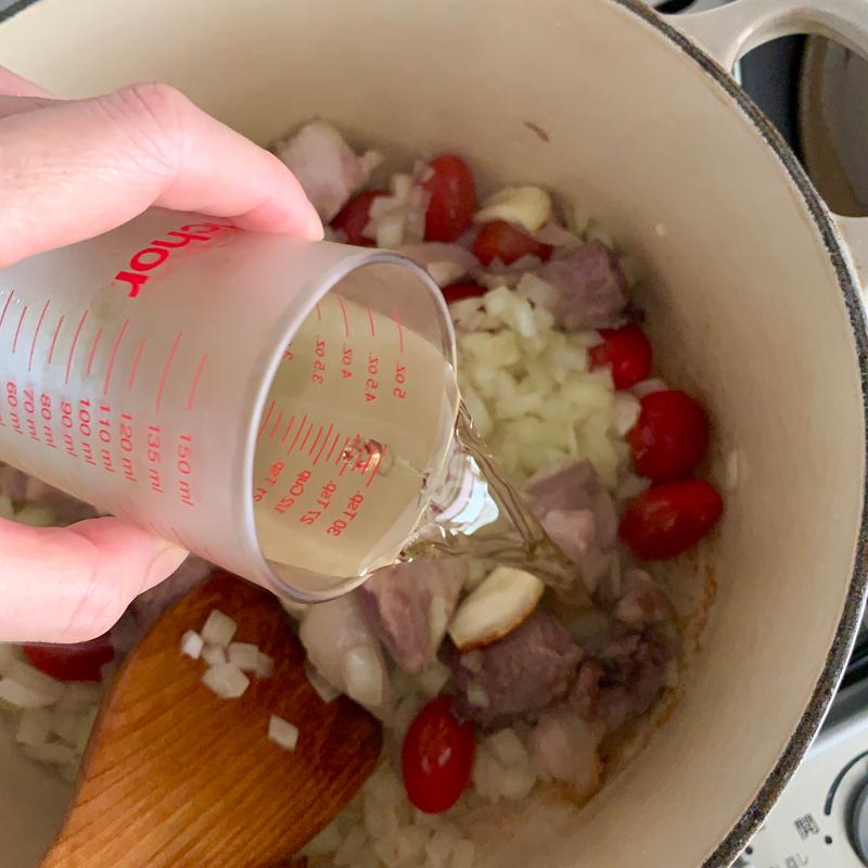 市橋有里がレシピ考案した梅雨どきのだるさ&むくみをスッキリ解消する「豚肉となすのとろとろ煮」