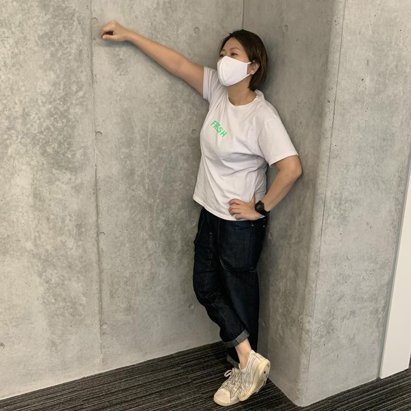 ユニクロ『エアリズムマスク』を着けるライターF