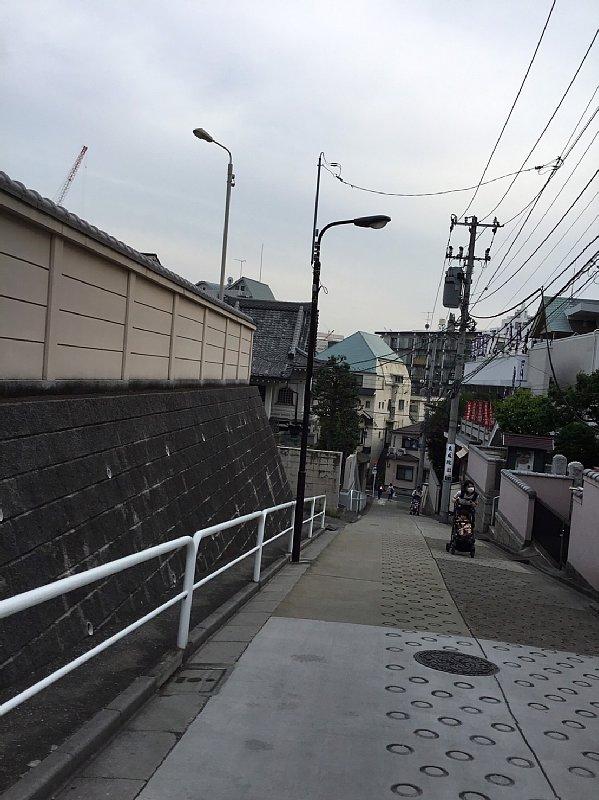 四谷の坂道