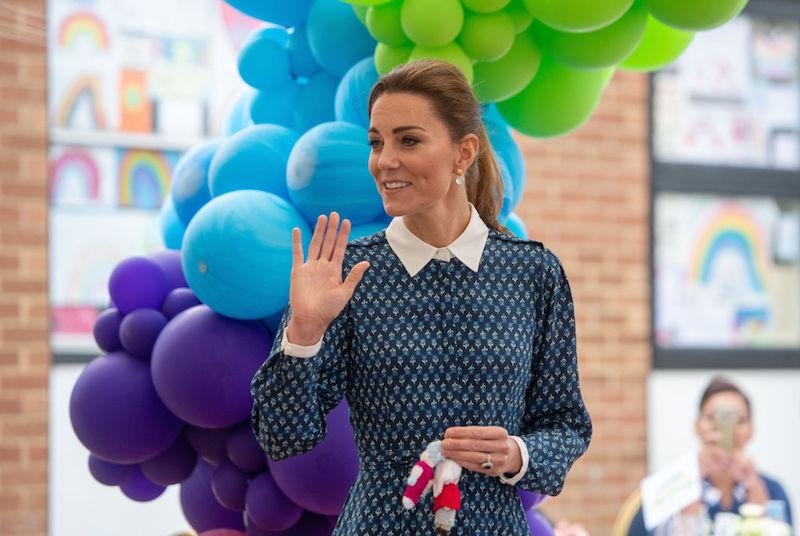 現地時間2020年7月5日、夫のウィリアム王子(38)とともに、ノーフォーク州キングスリンにあるクイーン・エリザベス病院を訪問したキャサリン妃