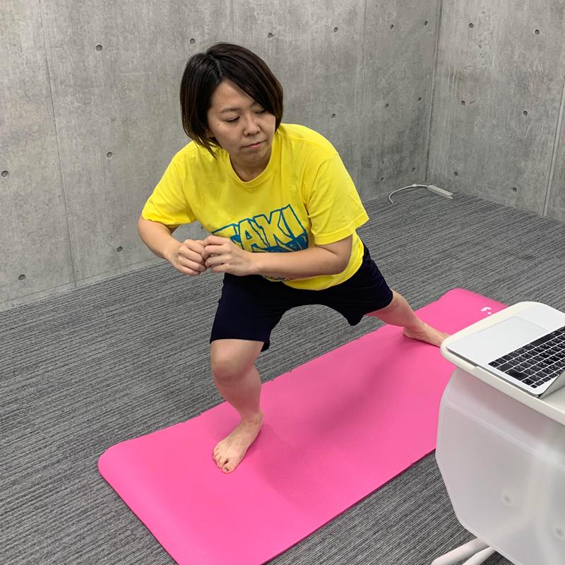 1000万回再生のYouTube「ひなちゃんねる」脚痩せ動画に挑むアラサーライター