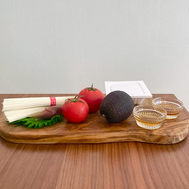 「トマトと大葉と納豆の美肌そうめん」材料